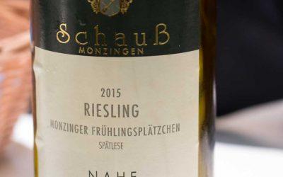 3 Antworten – Monzinger Frühlingsplätzchen – Weingut Schauß