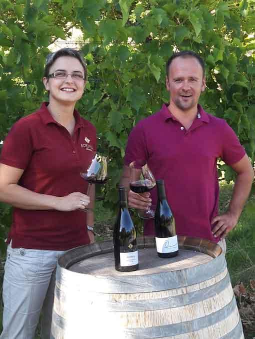 Franziska Schätzle und Daniel Landerer mit ihren Siegerweinen