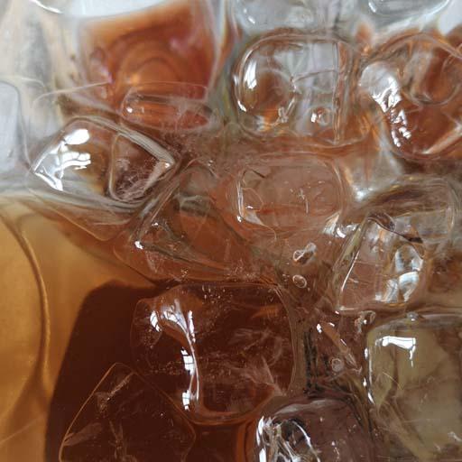 Eisgekühlt schmeckt Schaumwein am besten! ©wein-abc