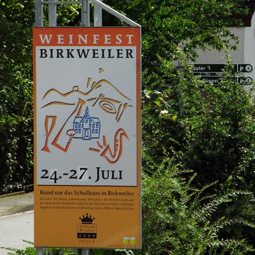 Traditionstermin im Sommer: das Weinfest in Birkweiler
